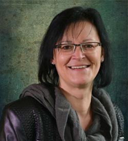 <b>Sabine Olschewski</b> - Fachbereichsleiterin für Gebärdensprachdolmetscher- ... - Sabine-Olschewski-t01
